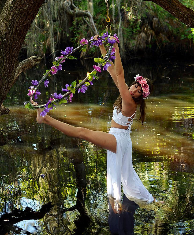 Mika-Yoga-Wear-Lyra3.jpg