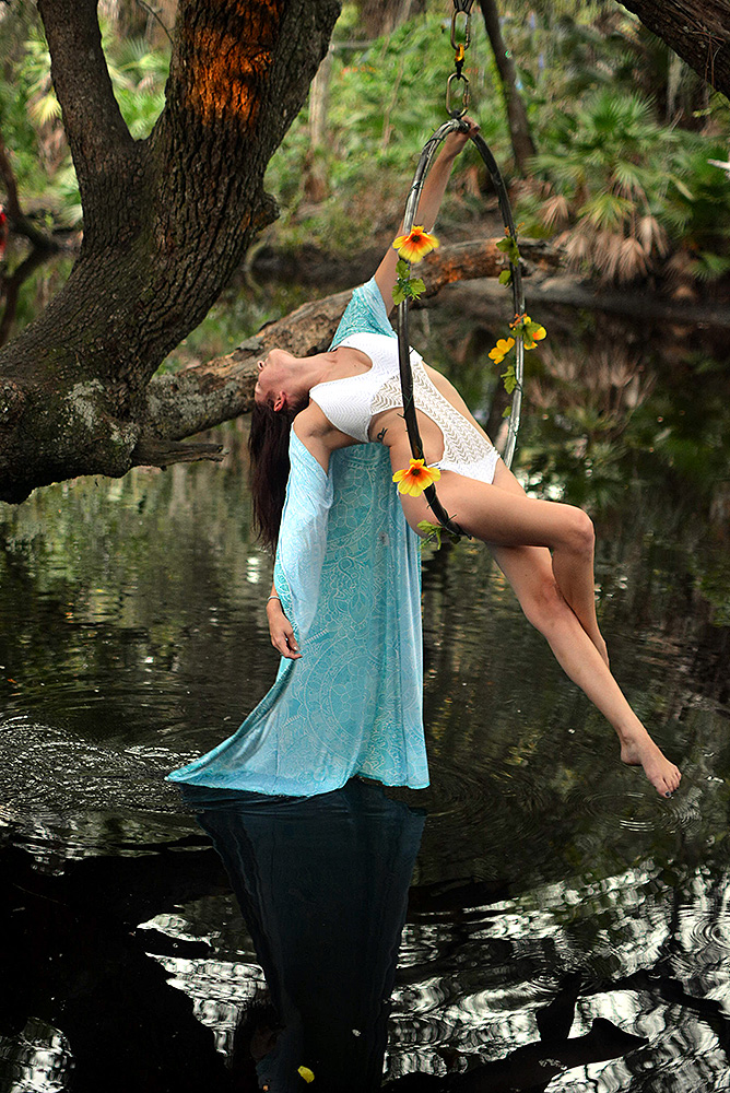 Mika-Yoga-Wear-Lyra11.jpg