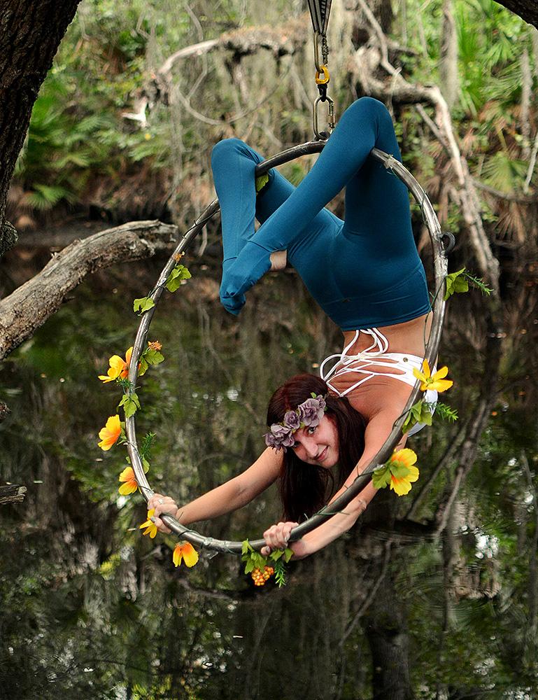 Mika-Yoga-Wear-Lyra12.jpg
