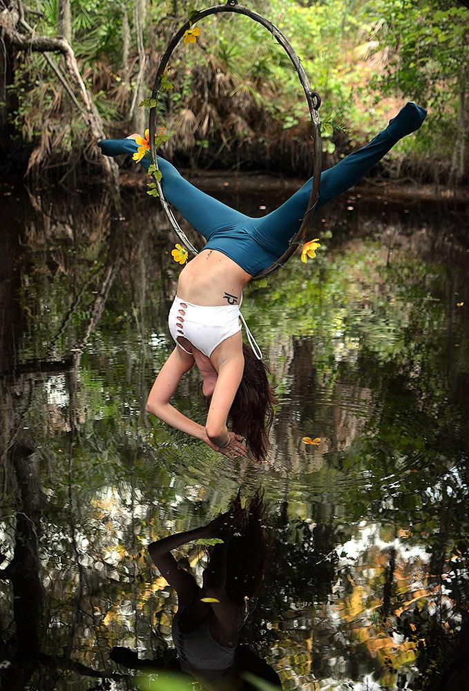 Mika-Yoga-Wear-Lyra14.jpg