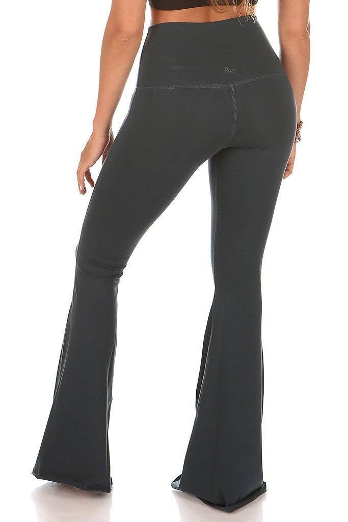 Bella-Luna-Pant-Pima-Mika-Yoga-Wear6_1024x1024.jpg