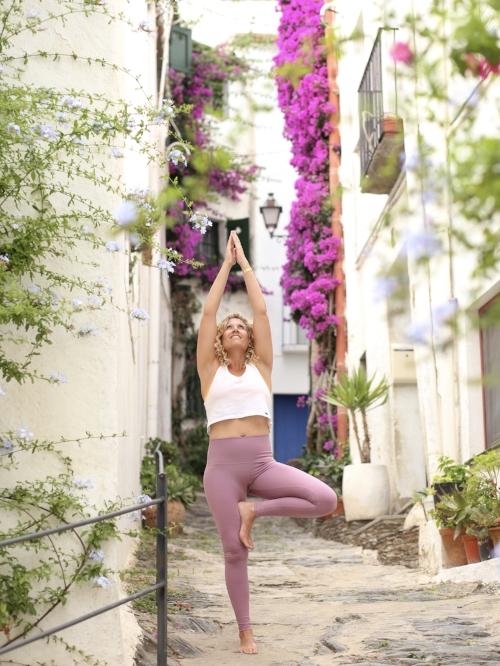 mika-yoga-wear-yoga-banner.jpg