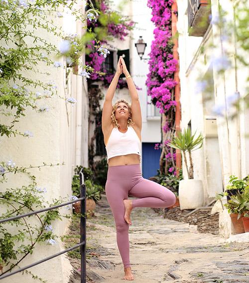 mikayogawear-sidebar-blog-yoga.jpg
