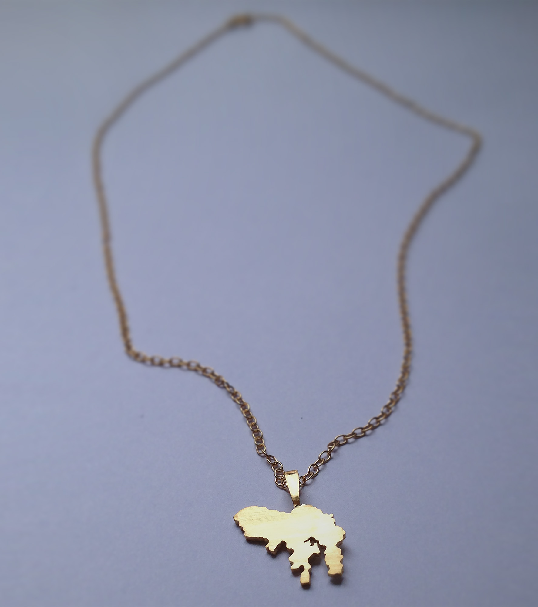Hong Kong pendant, gold