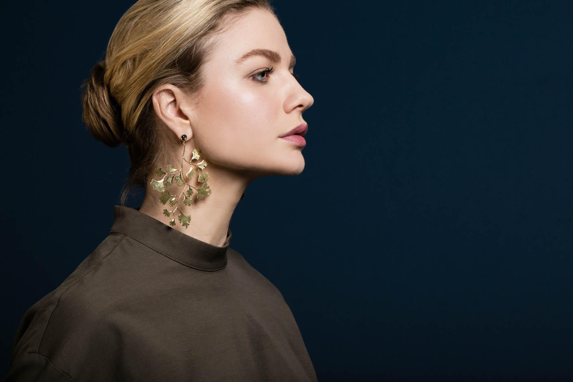 Ginko leaf earrings gold sapphireII.jpg