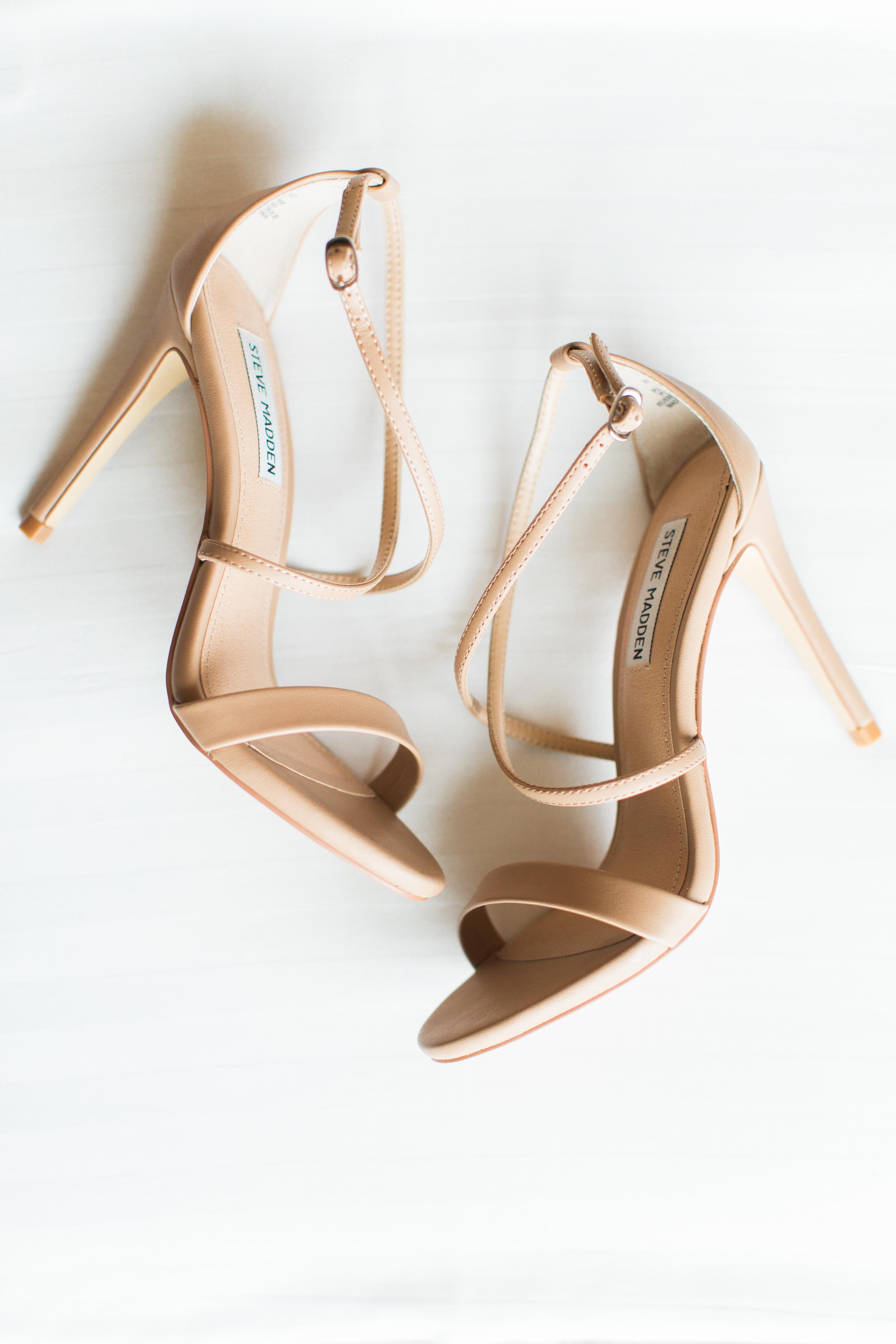03-wedding-shoes.jpg