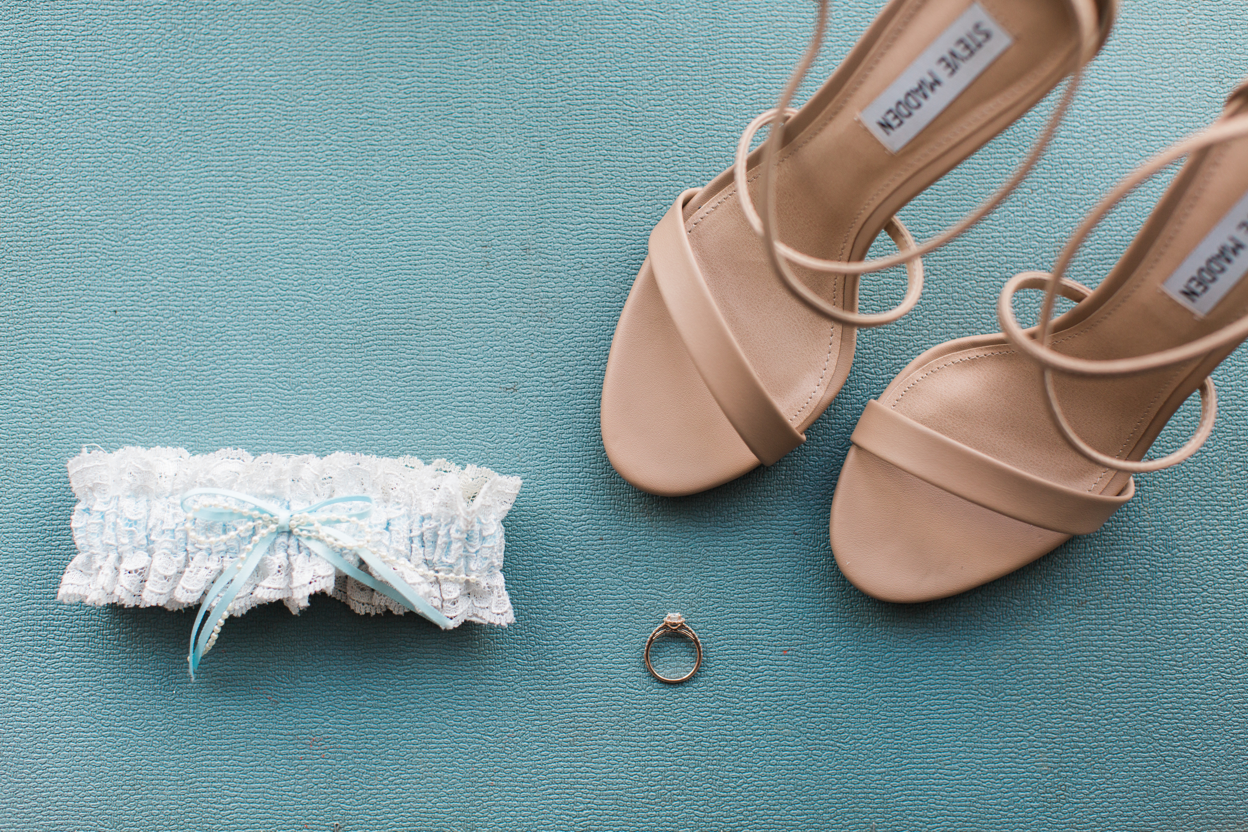 11-garter-ring-shoes.jpg