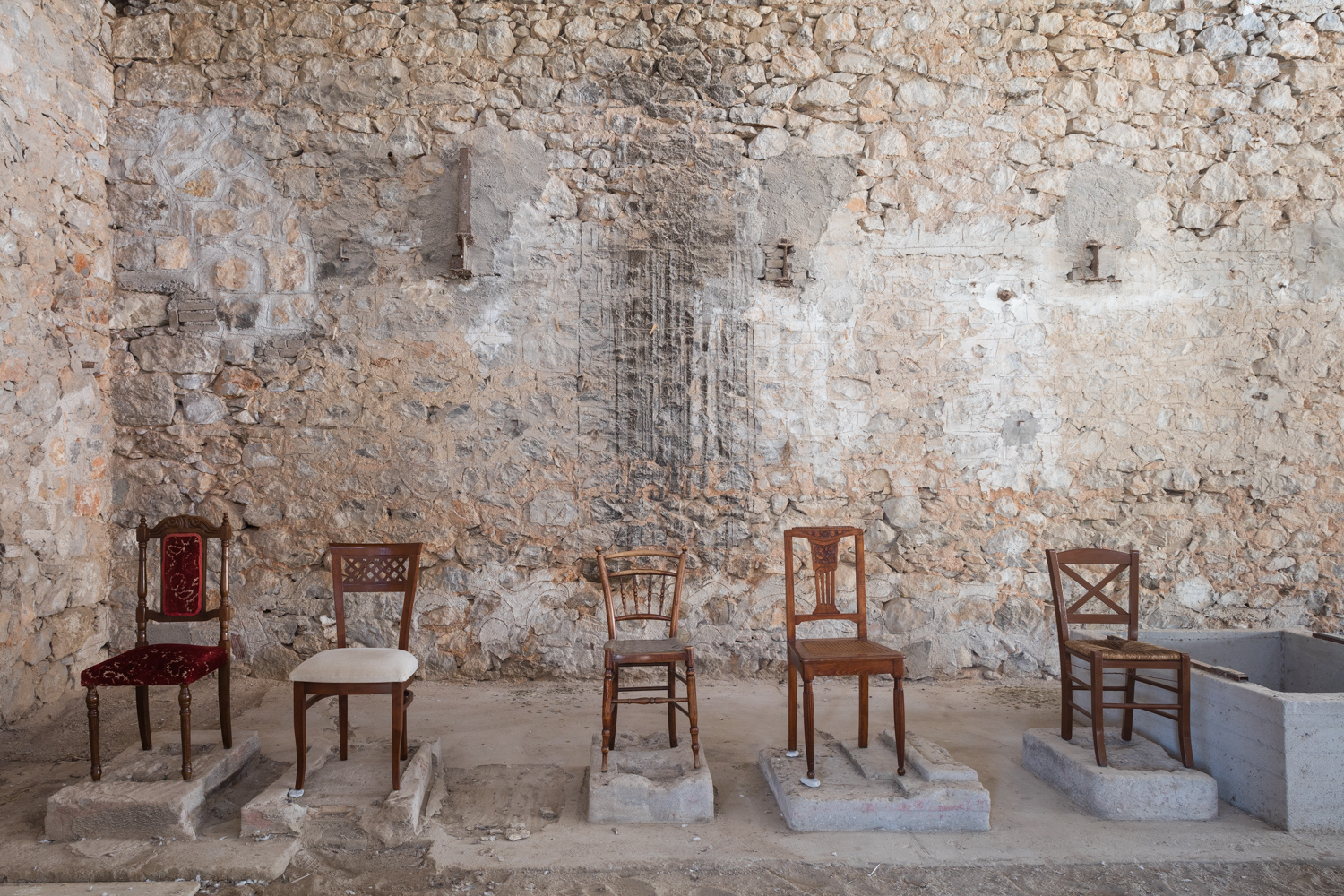 ReUse Heritage Chairs   a project forthe  3rd HMO International HerMa Conference