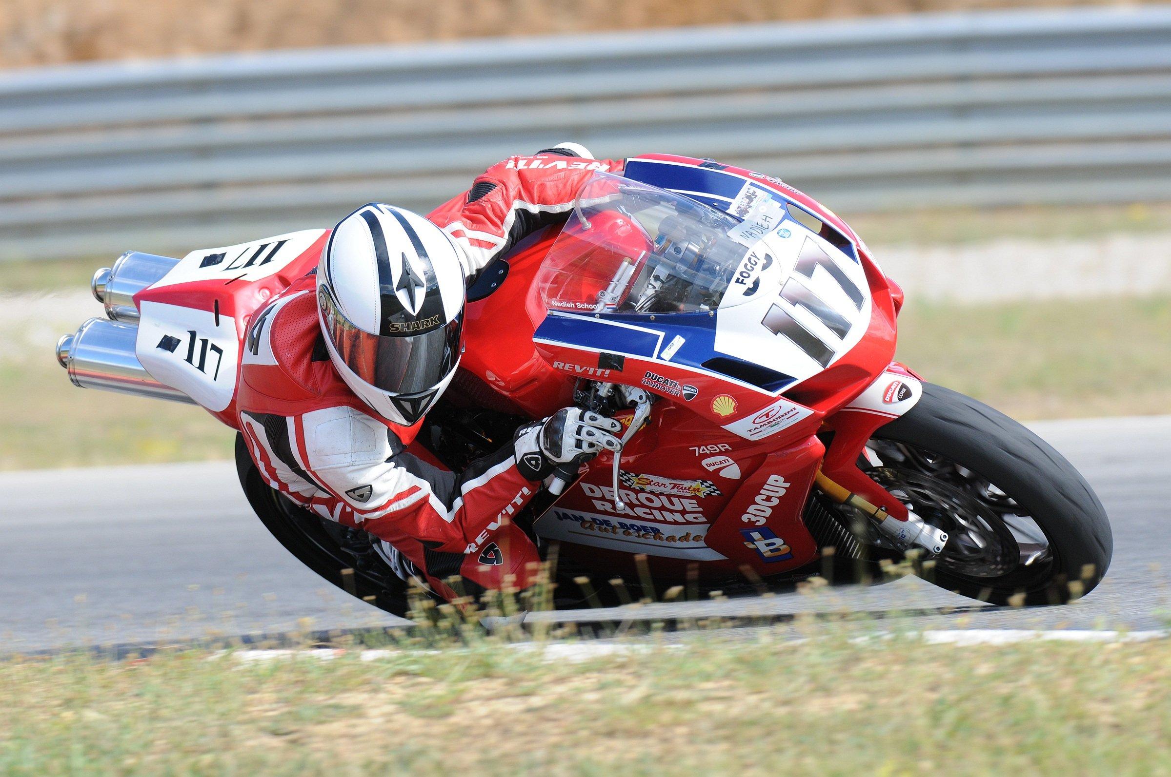 DucatiAles.JPG