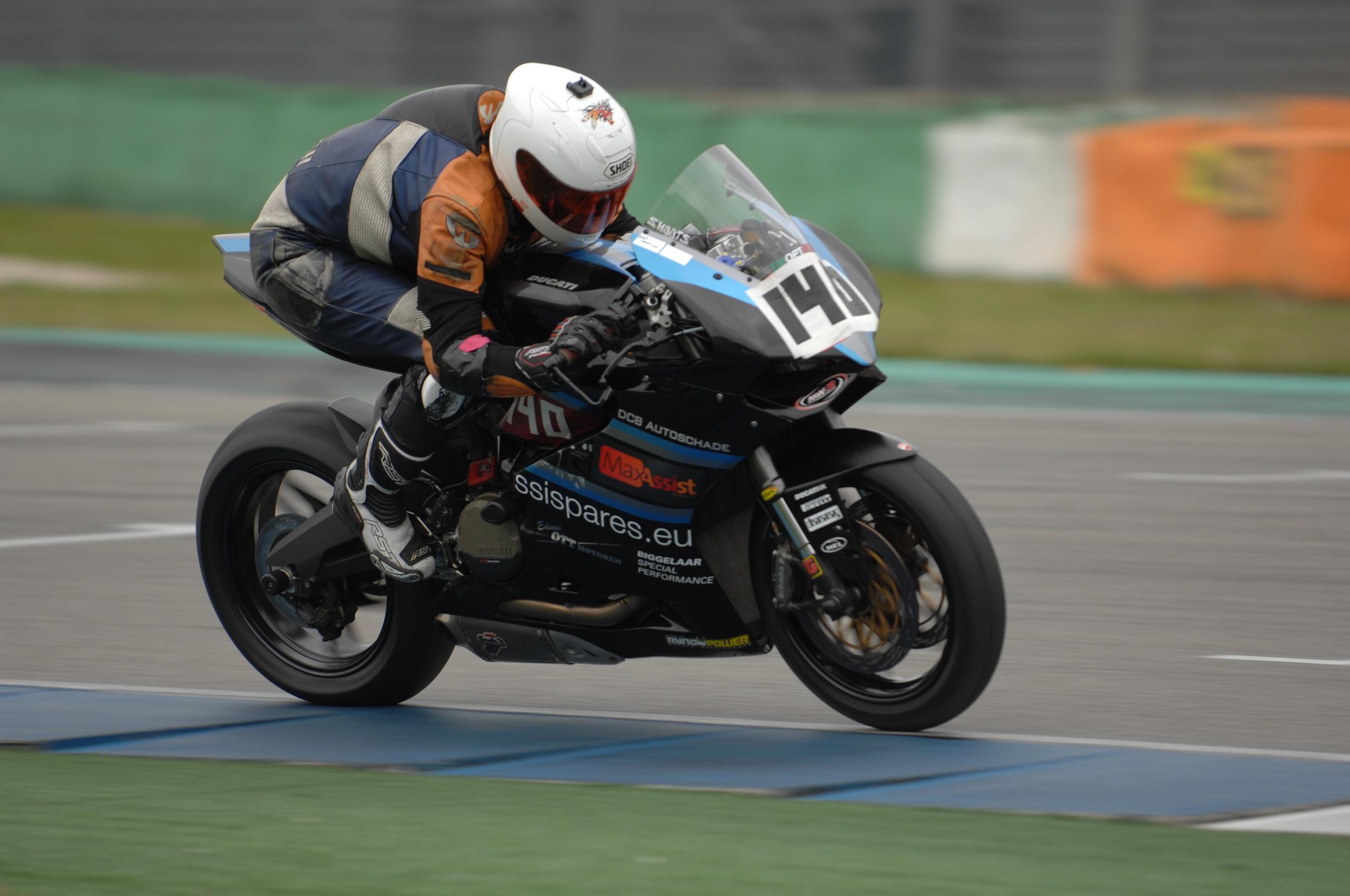 A great shot by Ad Kievit of  wegraceinfo.nl , exit GT chicane at Assen.