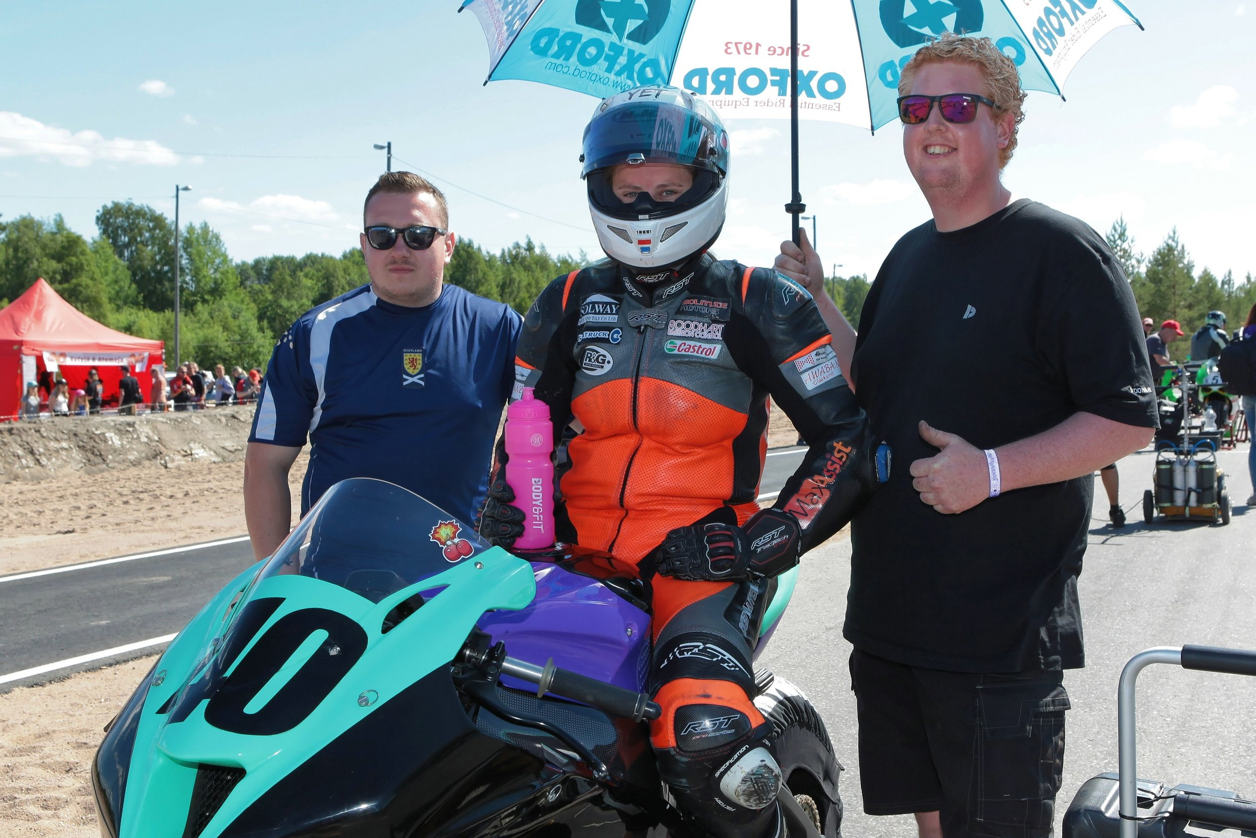 On the grid with Chris and Stefan, love our little dream team! (photo by Karl Heinz Kalkhake)