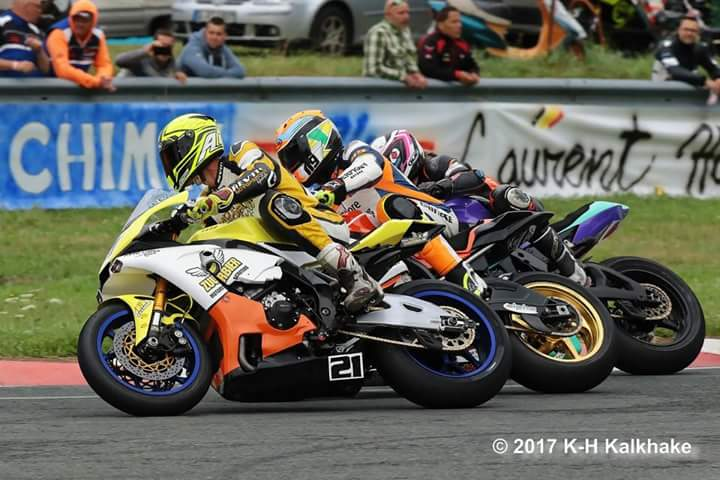 Close battles in IRRC Superbike! Photo by Karl Heinz Kalkhake.