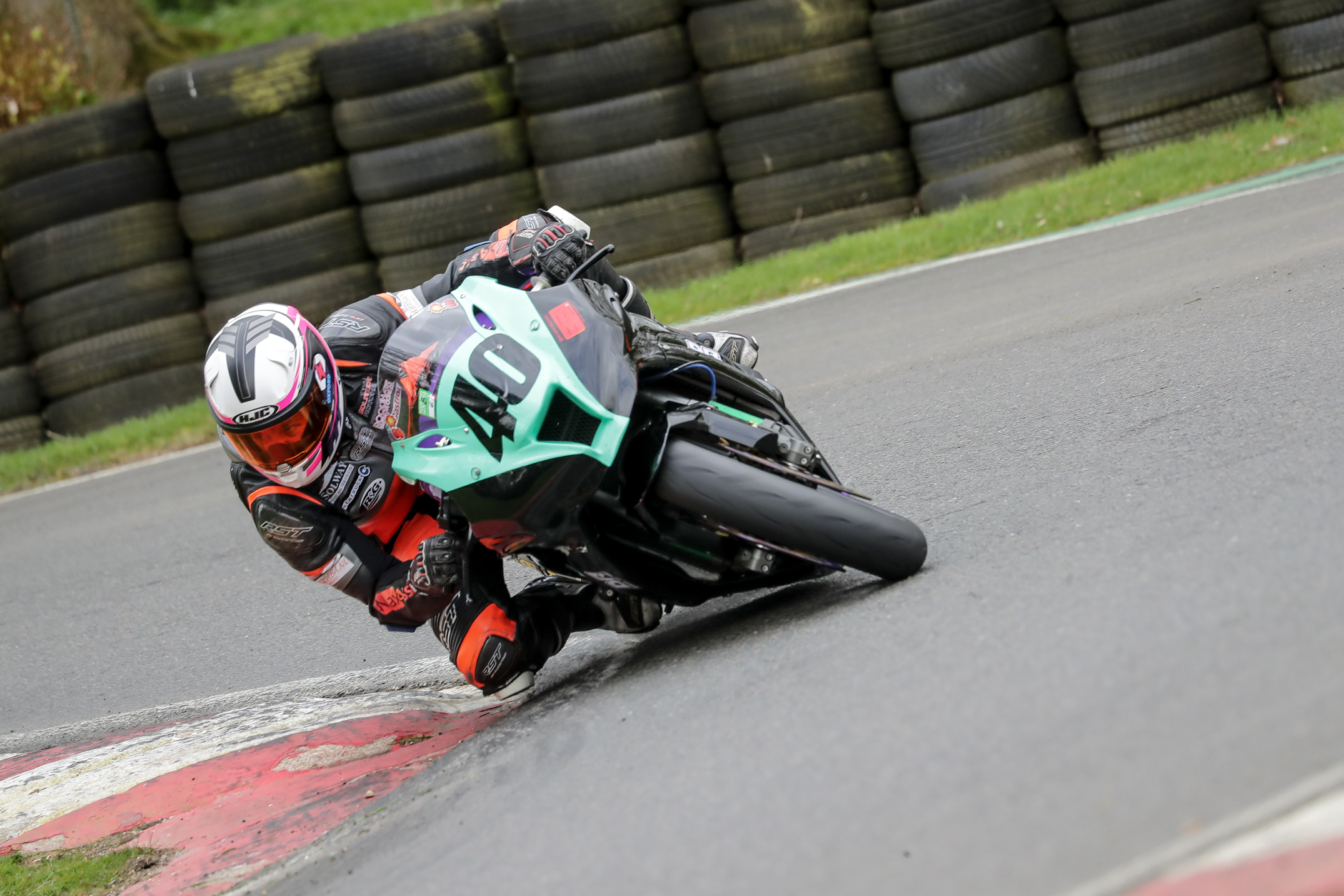 downloadz_120417_9880_cadwell_park.jpg