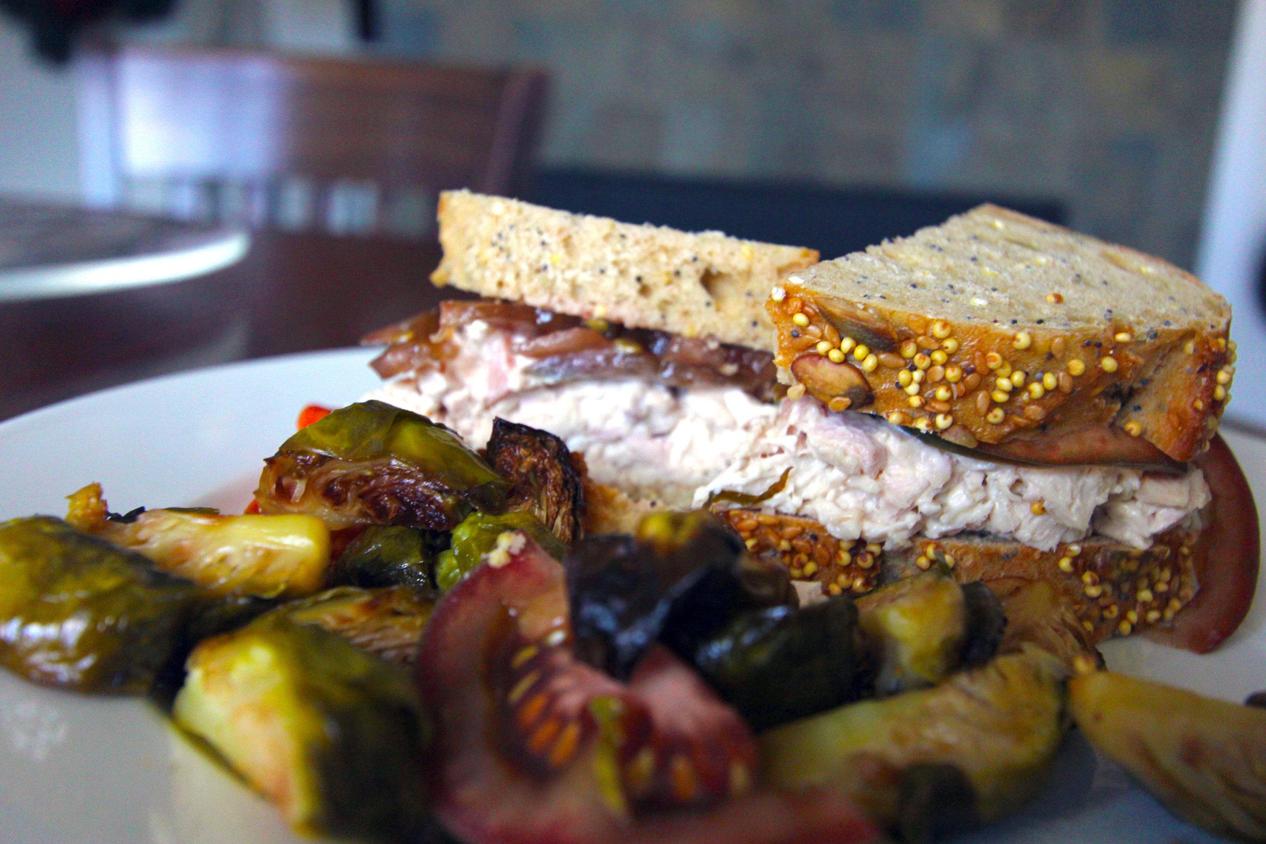 Turkey sandwicn.jpg