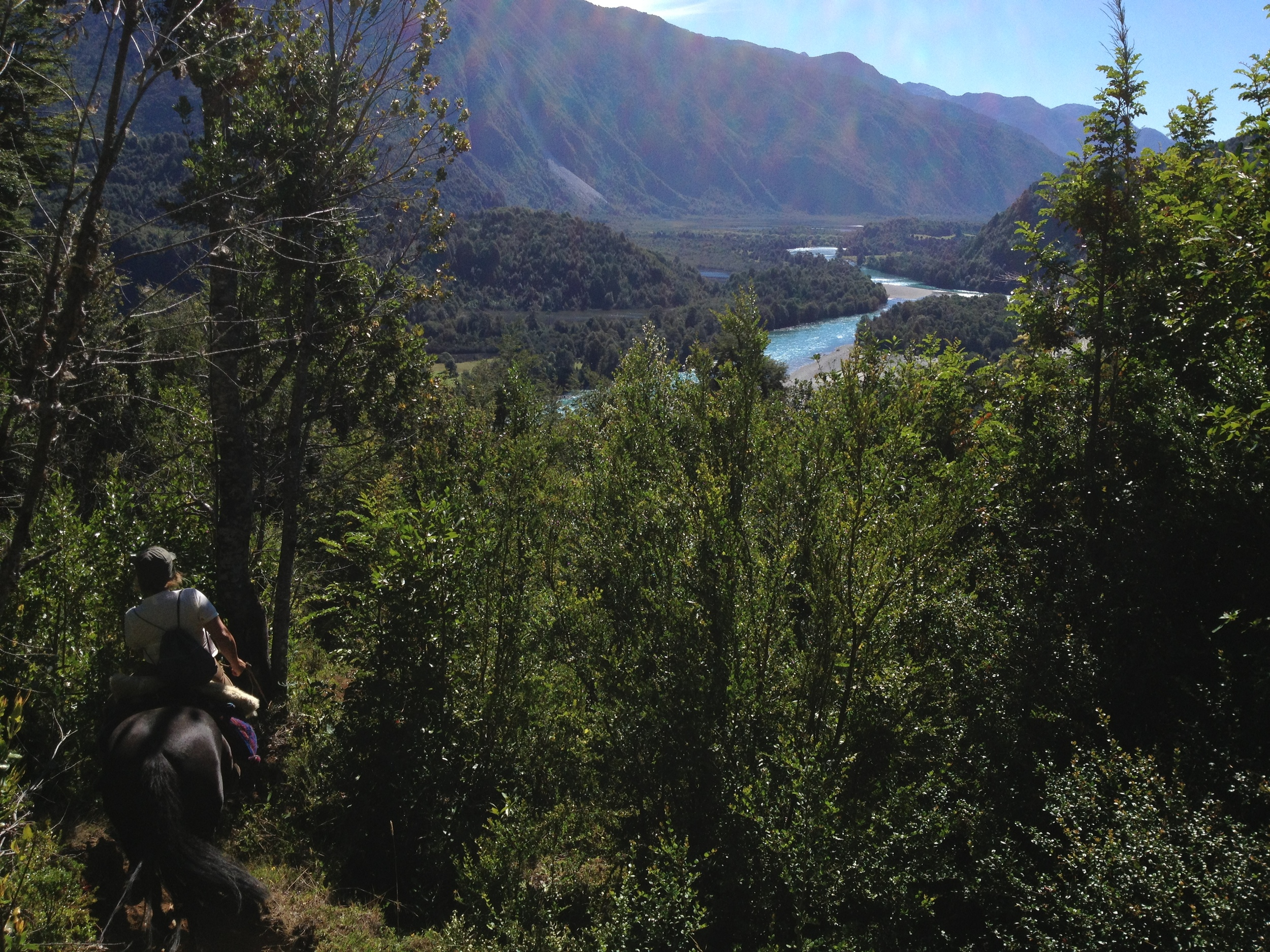 ACROSS THE ANDES & GLACIAL VALLEY 8 DAYS