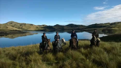 ride andes horse trek volcanoes ecuador