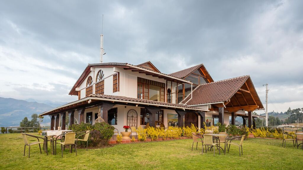 VV Cayambe lodge & short tours house.jpeg