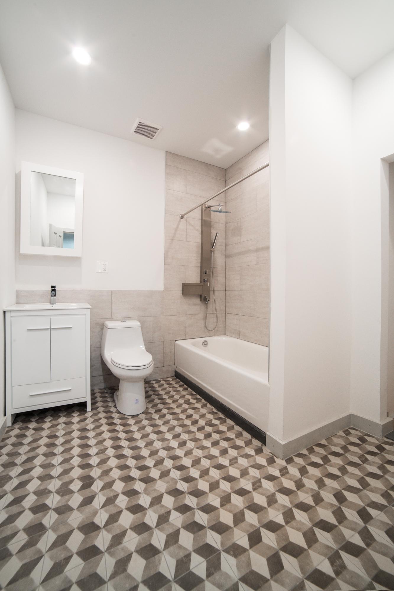 lower bath.jpg