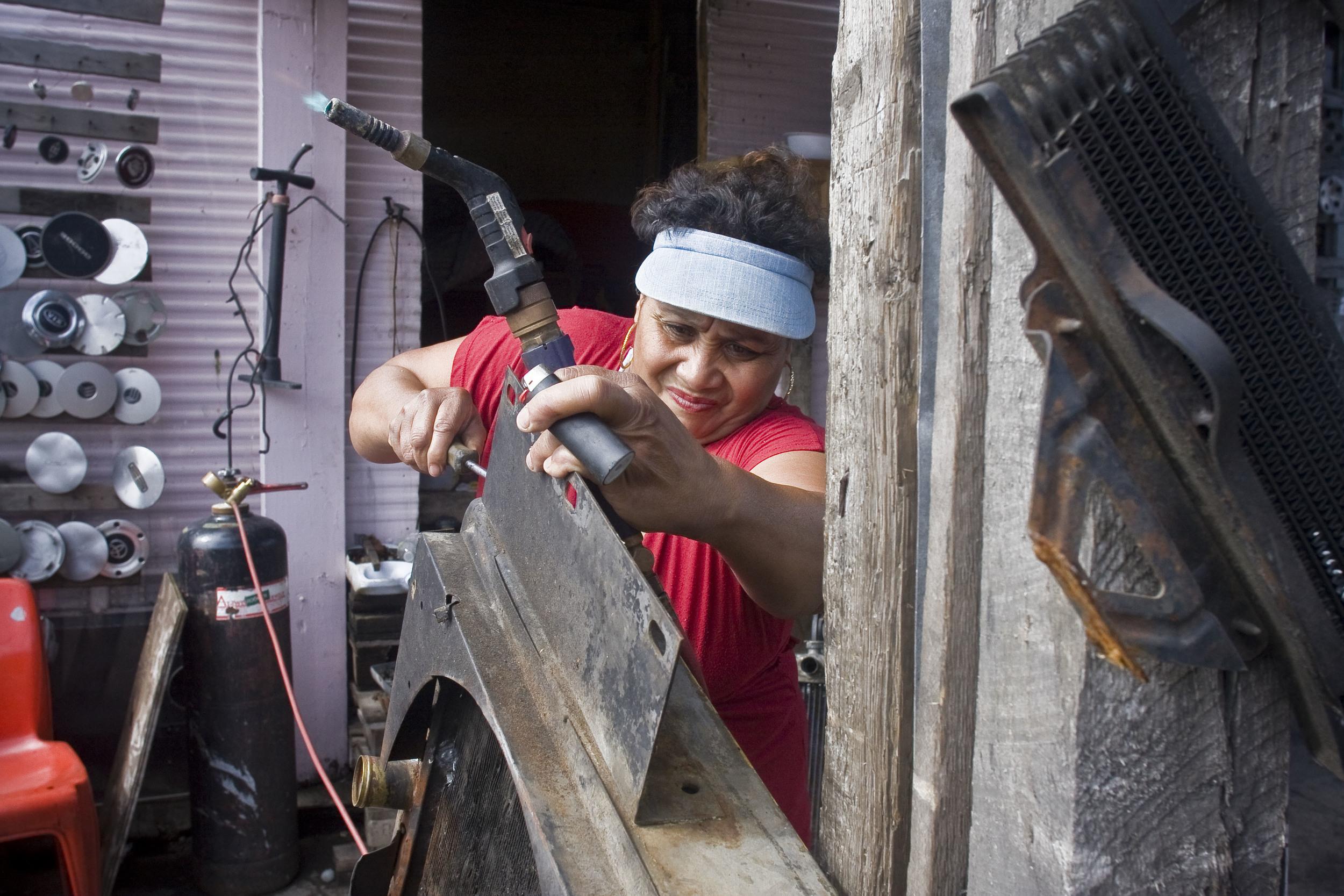 Tita the Radiator Woman. 2011.