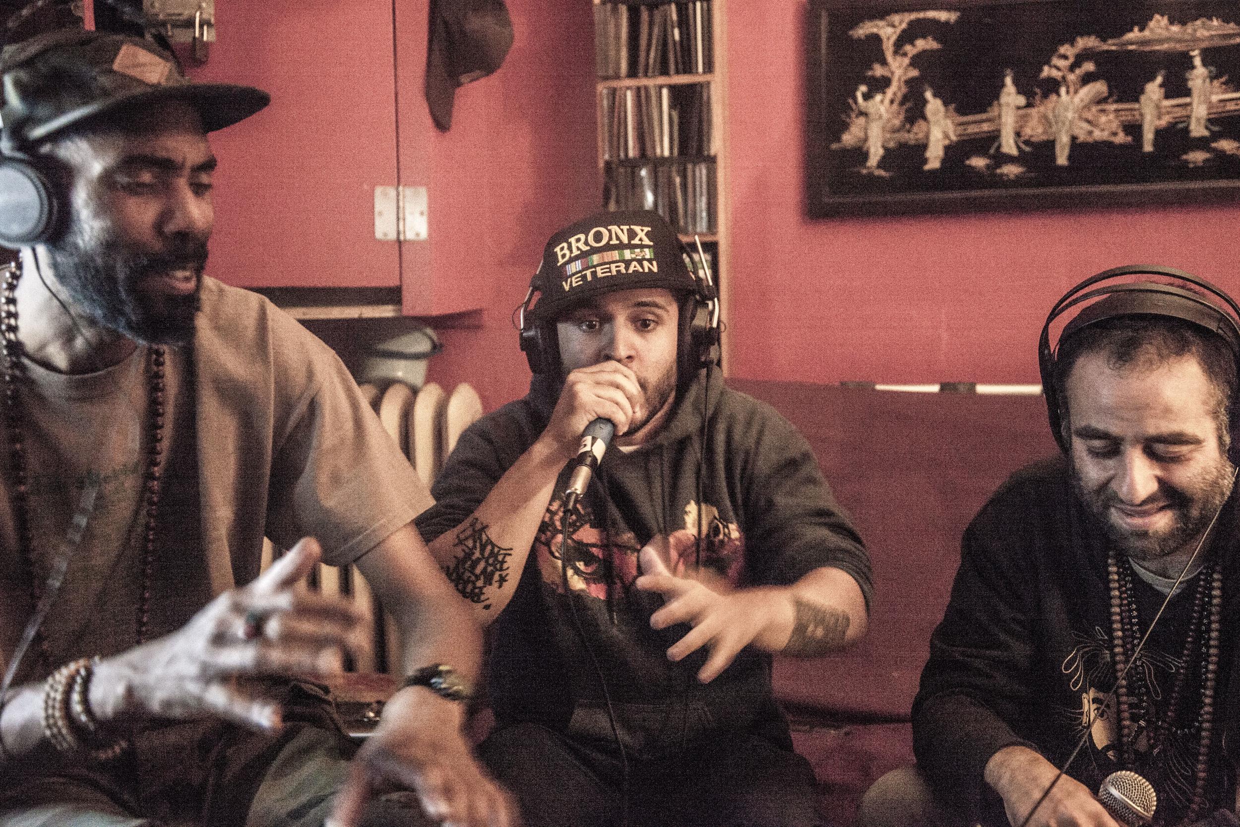 Guerrilla Grooves Radio. Cypher featuring L.I.F.E. LONG, Intikana and Dahesh. TME Pro Studios. Bronx, NYC. September 2015.