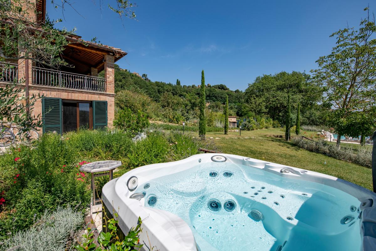 villa-nobile-pool-aperitivi-2.jpg