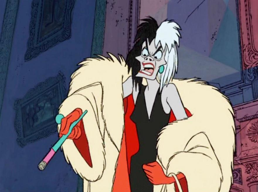 Was Cruella vaping???? Very NCA (not camp appropriate)!