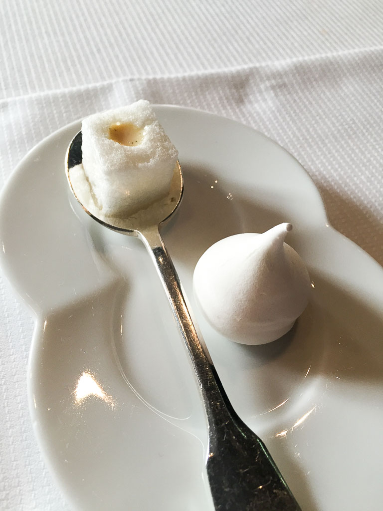 9th Course: Pre-dessert Marshmallow, 10/10