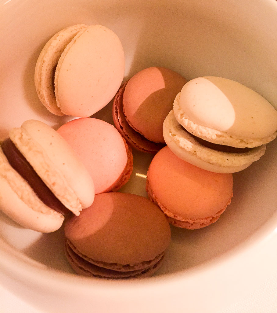 7th Course: Macarons, 9/10
