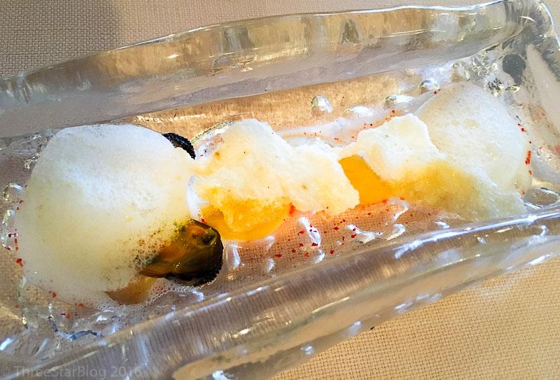 """First Bites: """"Pecorino Puff"""" + Mussels, 8/10"""
