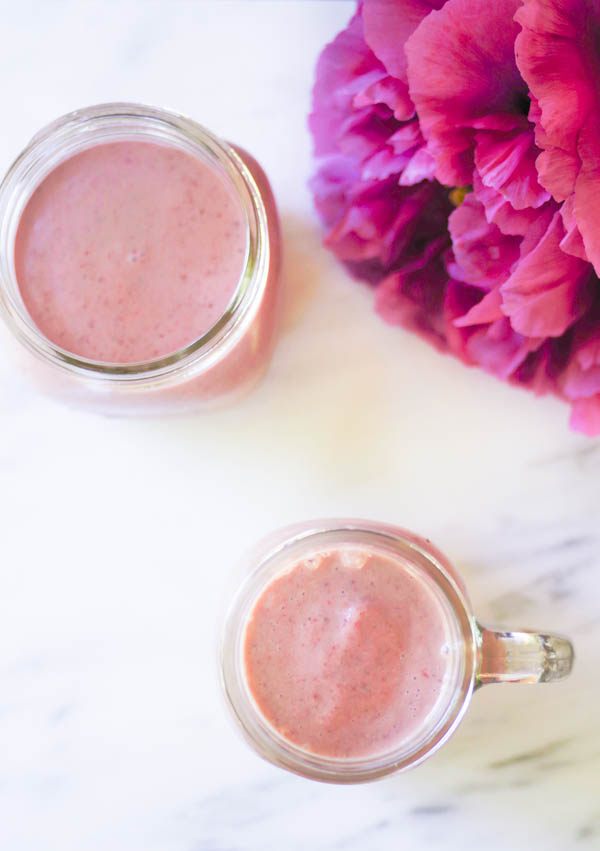 strawberry-banana-smoothies-and-peony