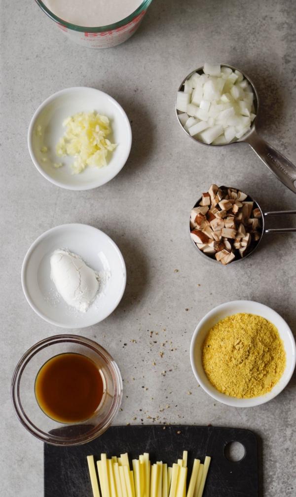 Loaded Potato Breakfast Bowl gravy ingredients.