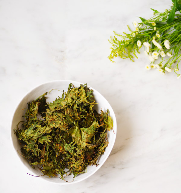 spiced-kale-chips-bowl