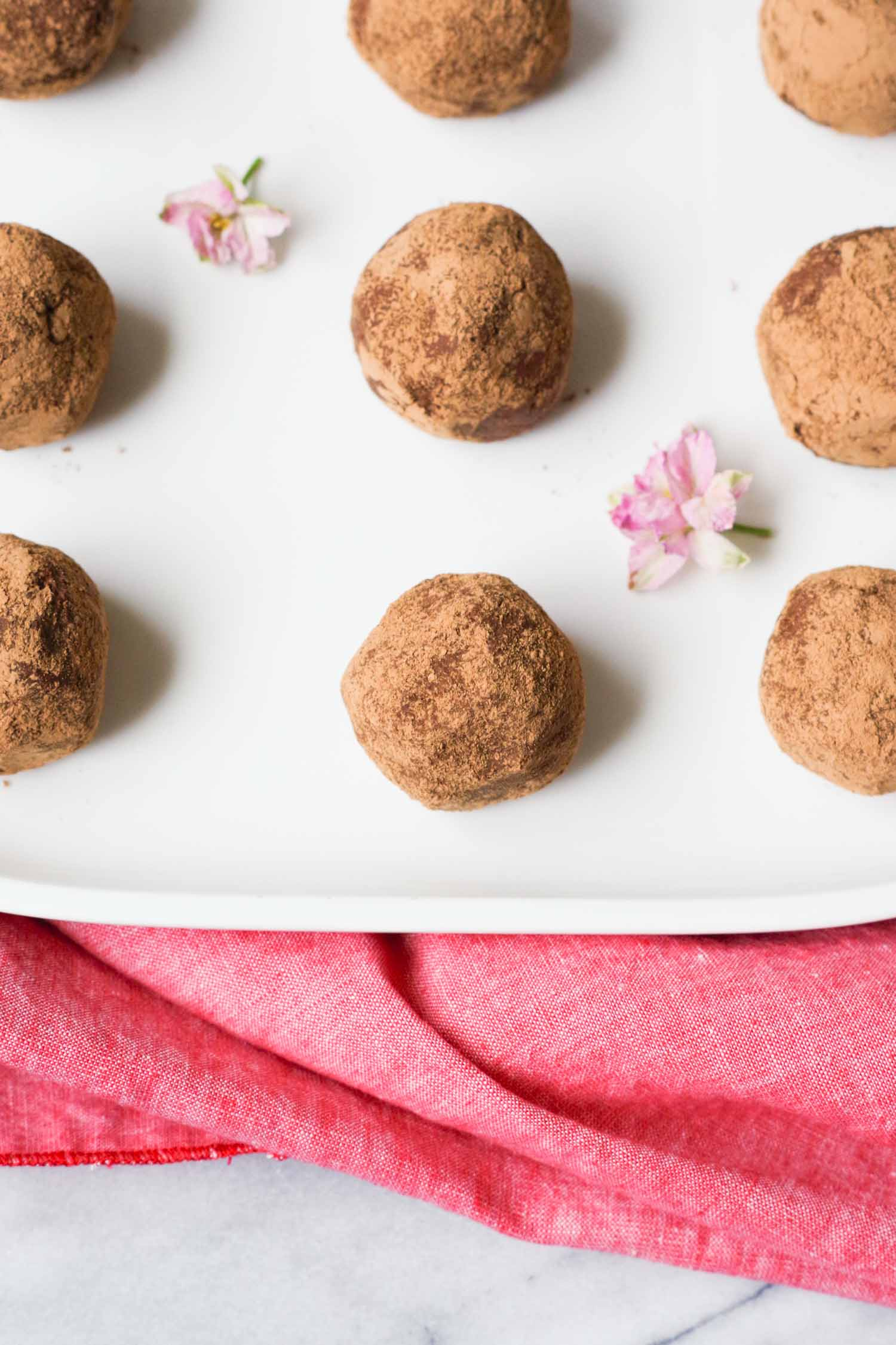 Vegan rum balls by beautiful ingredient