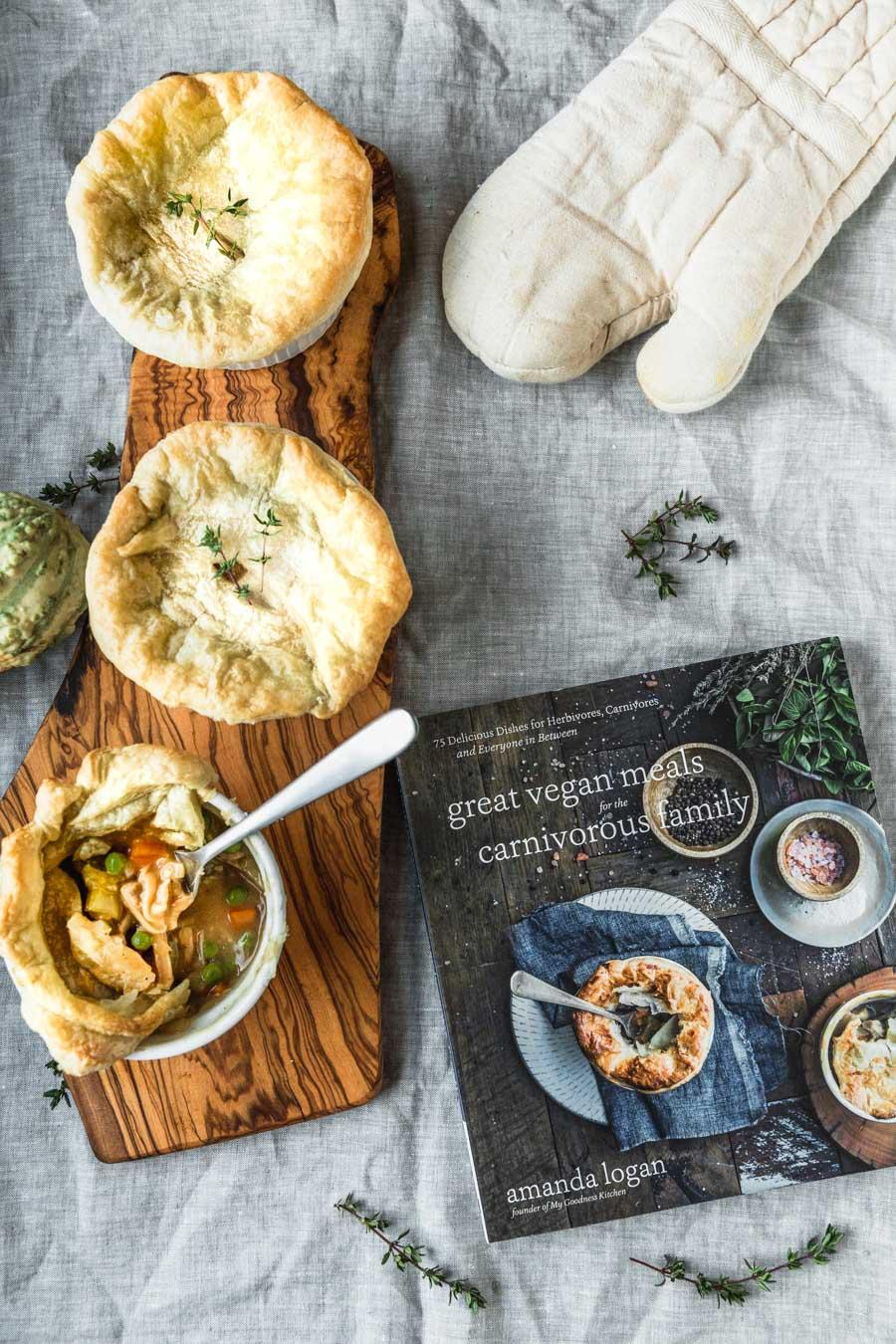 Tastes Like Chicken Pie recipe from the cookbook, Great Vegan Meals for the Carnivorous Family by Amanda Logan. Photo by Kari of Beautiful Ingredient. #vegan #vegandinner #plantbased #familydinner #dinner #chickenpotpie #potpie #veganchicken #veganforcarnivore #cookbook #recipe