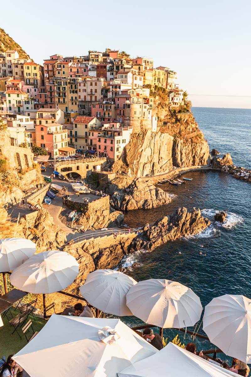 Manarola at sunset, Cinque Terre Italy. Photo by Kari | Beautiful Ingredient.