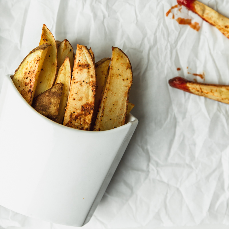 Seasoned Thick-Cut Oven-Baked Fries with No Oil