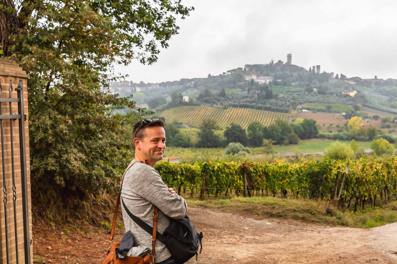 Views from the entrance to the organic vegan i pini, biotique agrivilla in San Gimignano, Tuscany, Italy. #tuscany #travel #italy #italianfarmhouse #olivegroves #organicoliveoil #vineyards #italyinautumn #veganrestaurant #vegantravel #italytravel #veganitaly #vegantuscany #veganhotel #ecotourism #organichotel #veganhotel #veganretreat #veganbedandbreakfast #sangimignano