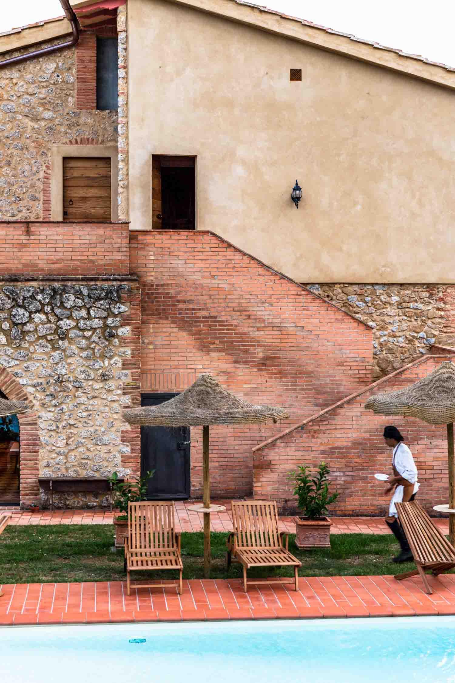 i pini, the organic and vegan farmhouse retreat in San Gimignano, Tuscany, Italy. #tuscany #travel #italy #italianfarmhouse #olivegroves #organicoliveoil #vineyards #italyinautumn #veganrestaurant #vegantravel #italytravel #veganitaly #vegantuscany #veganhotel #ecotourism #organichotel #veganhotel #veganretreat #veganbedandbreakfast #sangimignano