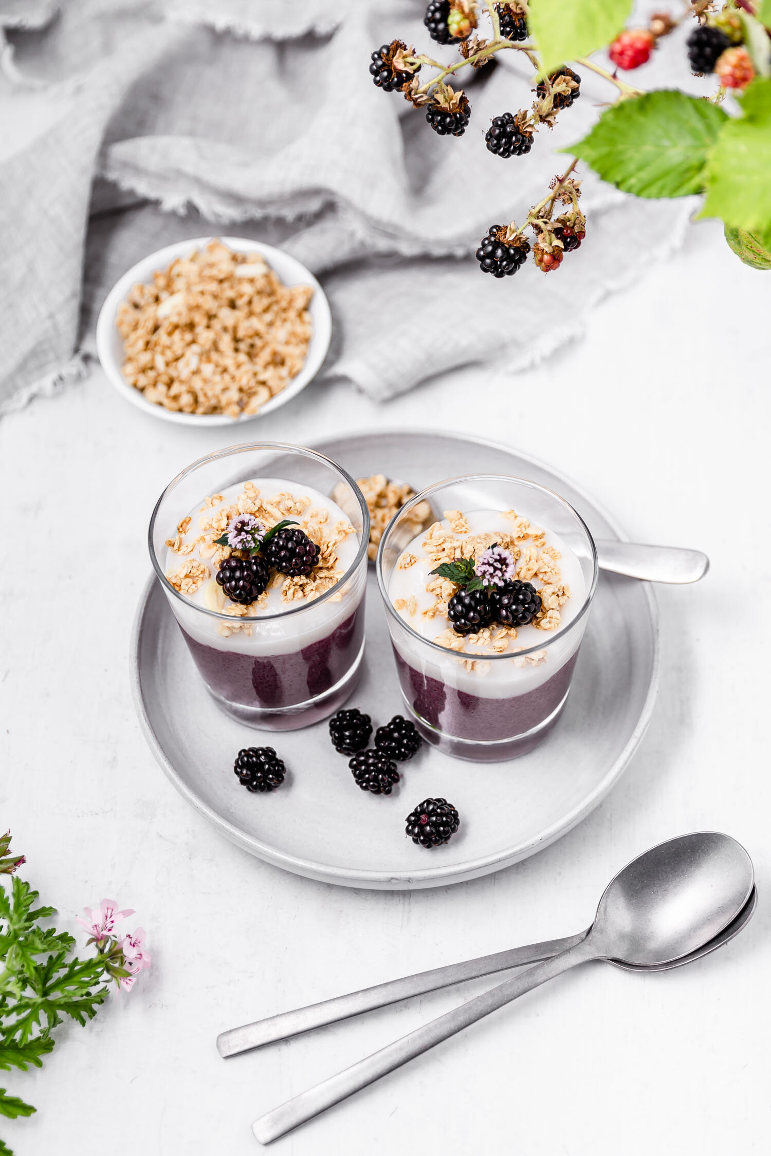 blackberry-parfaits.jpg