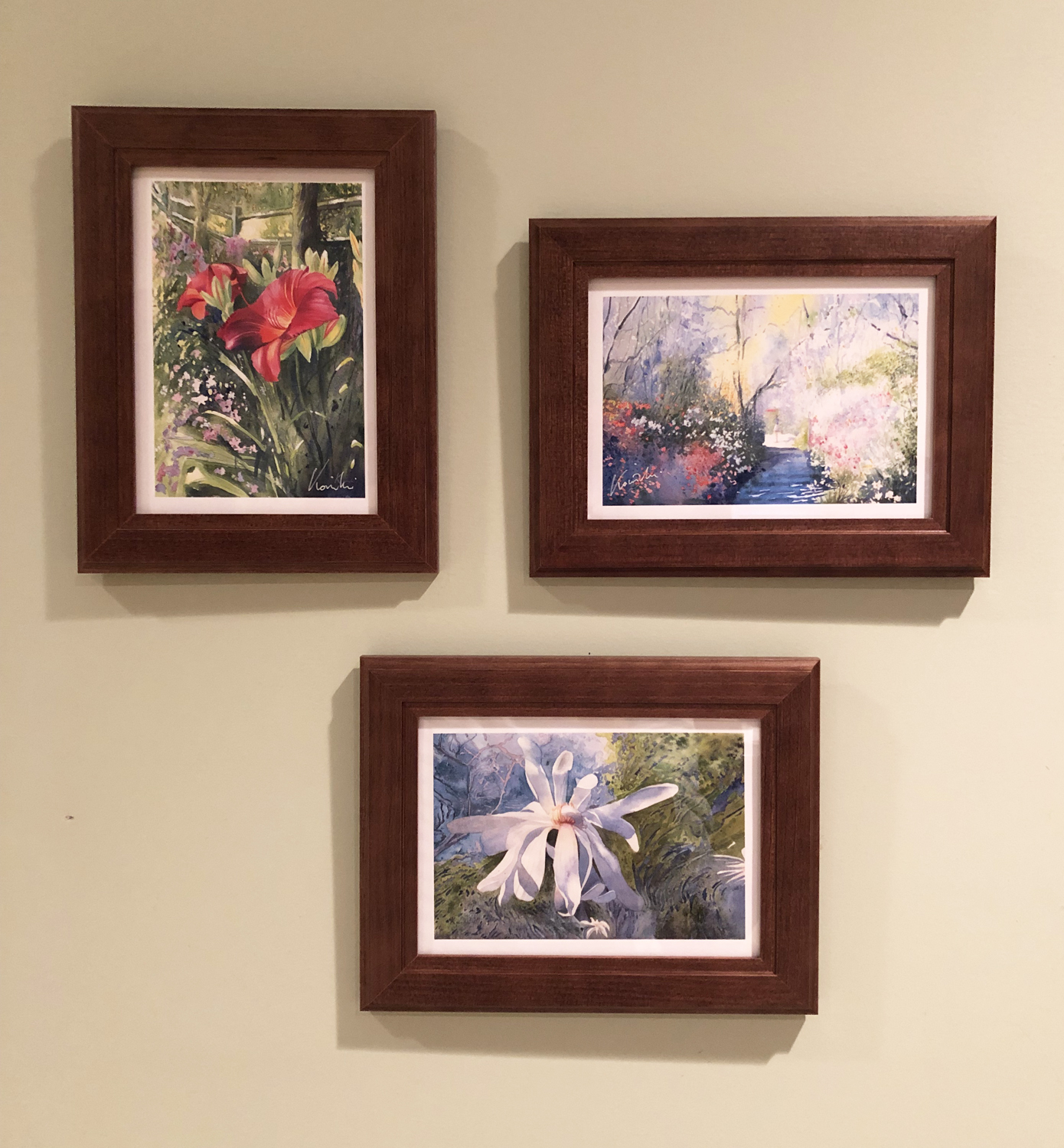 frame-able - a better way to send signed, miniature prints and lets your friends treasure your words, as well!