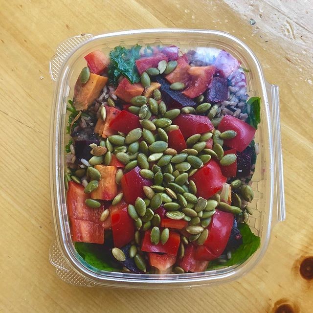 Need a quick lunch? Take one of our salad to go! This is our roots and wild rice, which has wild rice for energy, pumpkin seeds which are rich in antioxidants, and beets and sweet potato which are great for sustained energy. ☀️