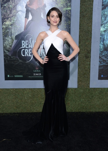 emmy_rossum_beautiful_creatures_premiere_in_hollywood_6feb2013_j3wtcOO6.sized_1.jpg