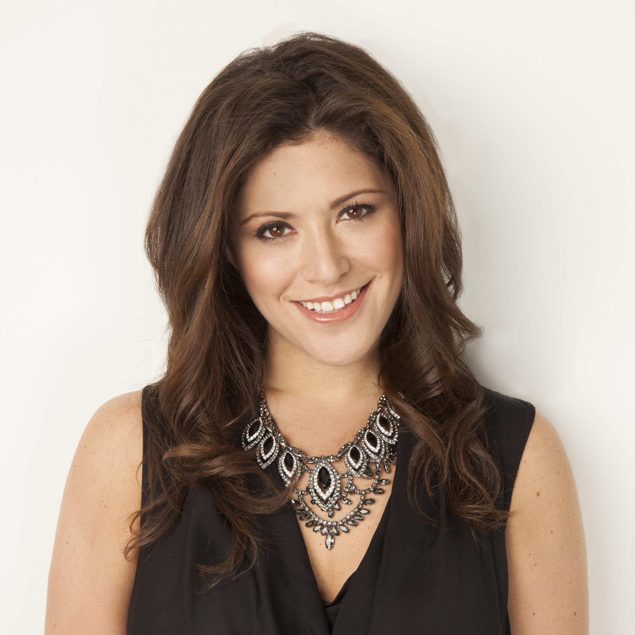 """Panelist    Daniella Yacobovsky  Co-Founder, Baublebar  """"Becoming An Entrepreneur: How To Build A Business"""""""