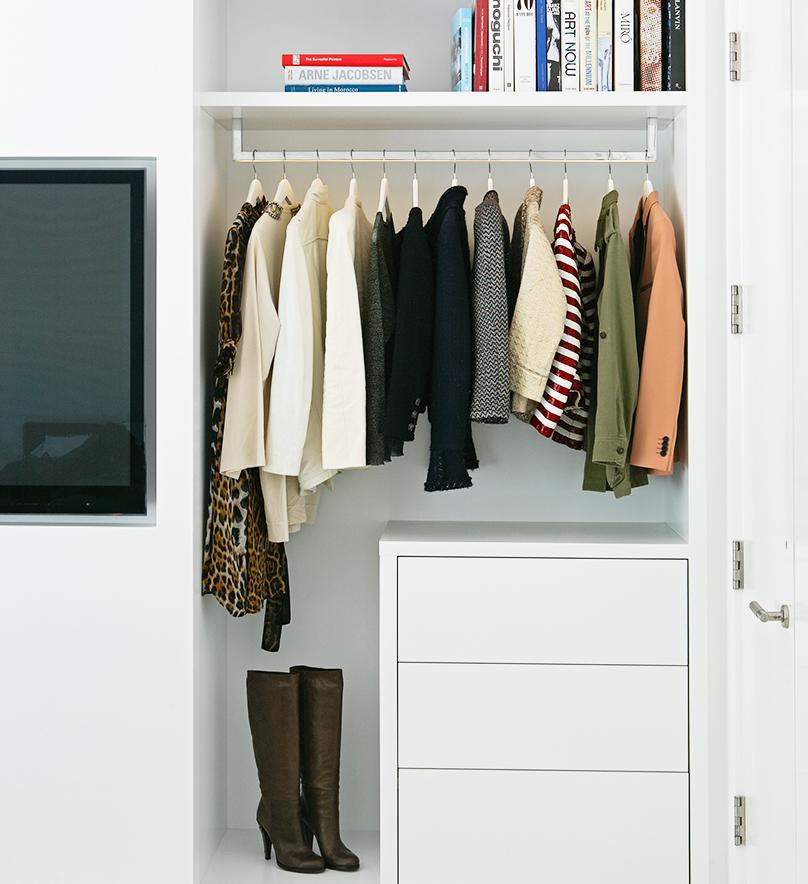 closet cleaning 1.jpg
