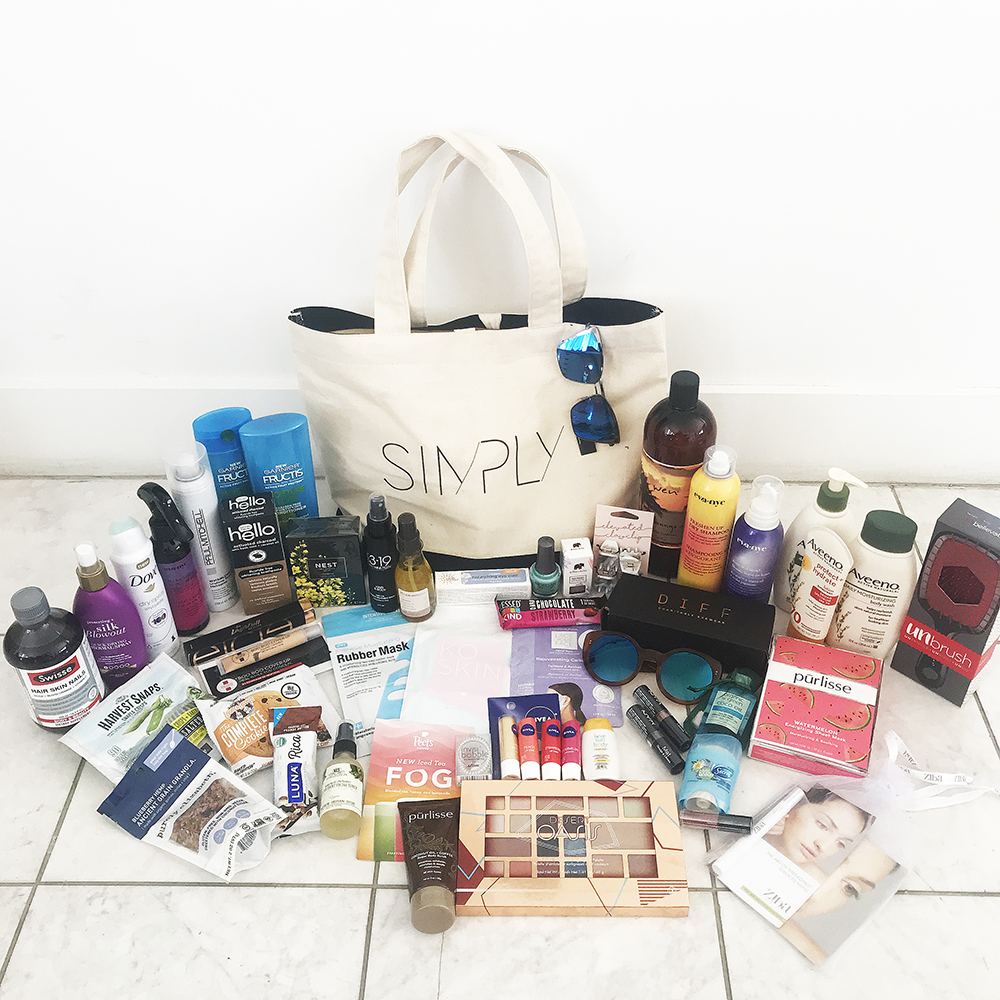 All the goodies in our SIMPLY LA gift bags!