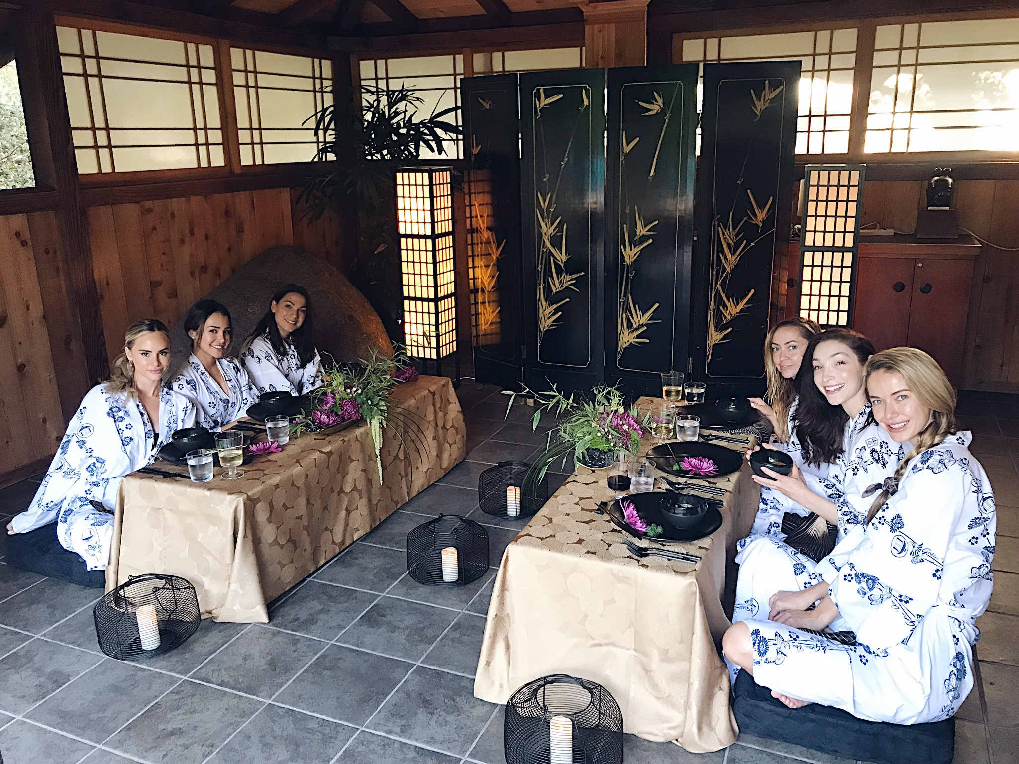 Dining in style at Golden Door FROM LEFT: Amanda Stanton, Danielle Lombard, Sarah Boyd, Brandi Cyrus, Meryl Davis, and Olivia Jordan