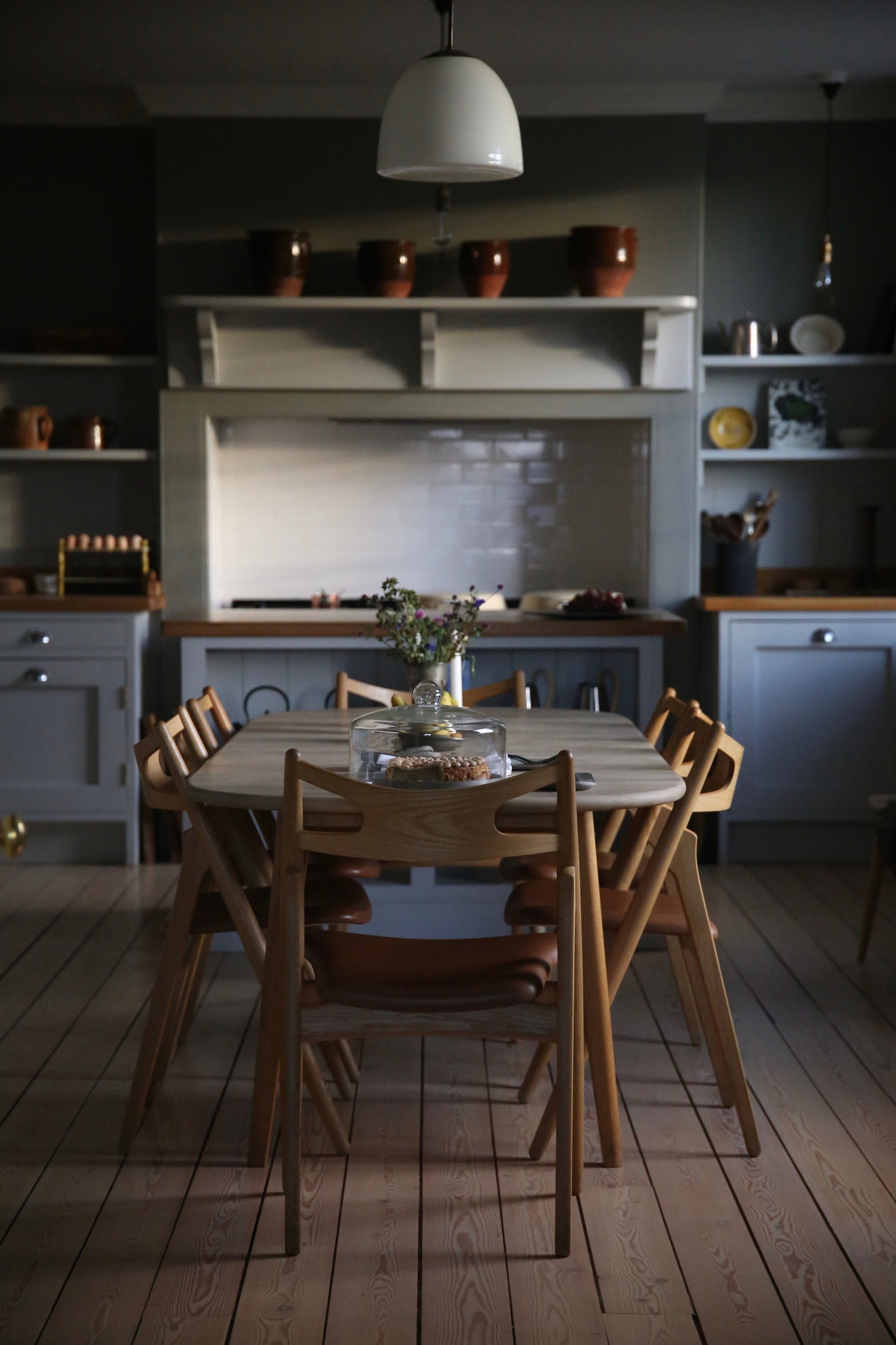 kitchen-table.jpg