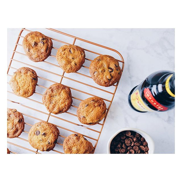 Kahlua Chocolate Chip Cookies // forever my go-to chocolate chip cookie recipe // a @whatsgabycookin recipe with @kahlua . . . #nationalchocolatechipday #chocolate #chocolatechipcookies #chocolatechip #chocolate🍫 #kahlua #whatsgabycookin #wgc #desserts #dessertporn #dessertoftheday #dessertofinstagram #cookie #cookies #cookies🍪 #cookieporn #baking #bakingcookies #instabaker  #boozy #cookiesofinstagram #cookiestagram #cookiemonster #foodphotography #foodographer #chocolatechipcookie #foodporn #sweettooth #sweettreat #treatyoself