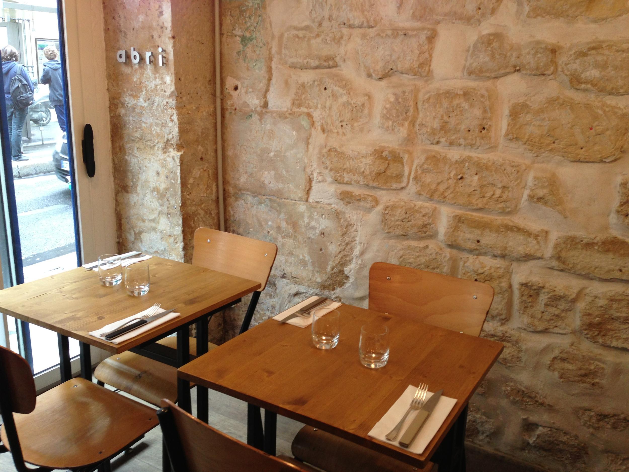 abri-labri-restaurant-paris-japon-japonais-cuisine-gastronomie-menu-plats-entrecc81e-surprise-chef-metro-poissonniere-salle.jpg