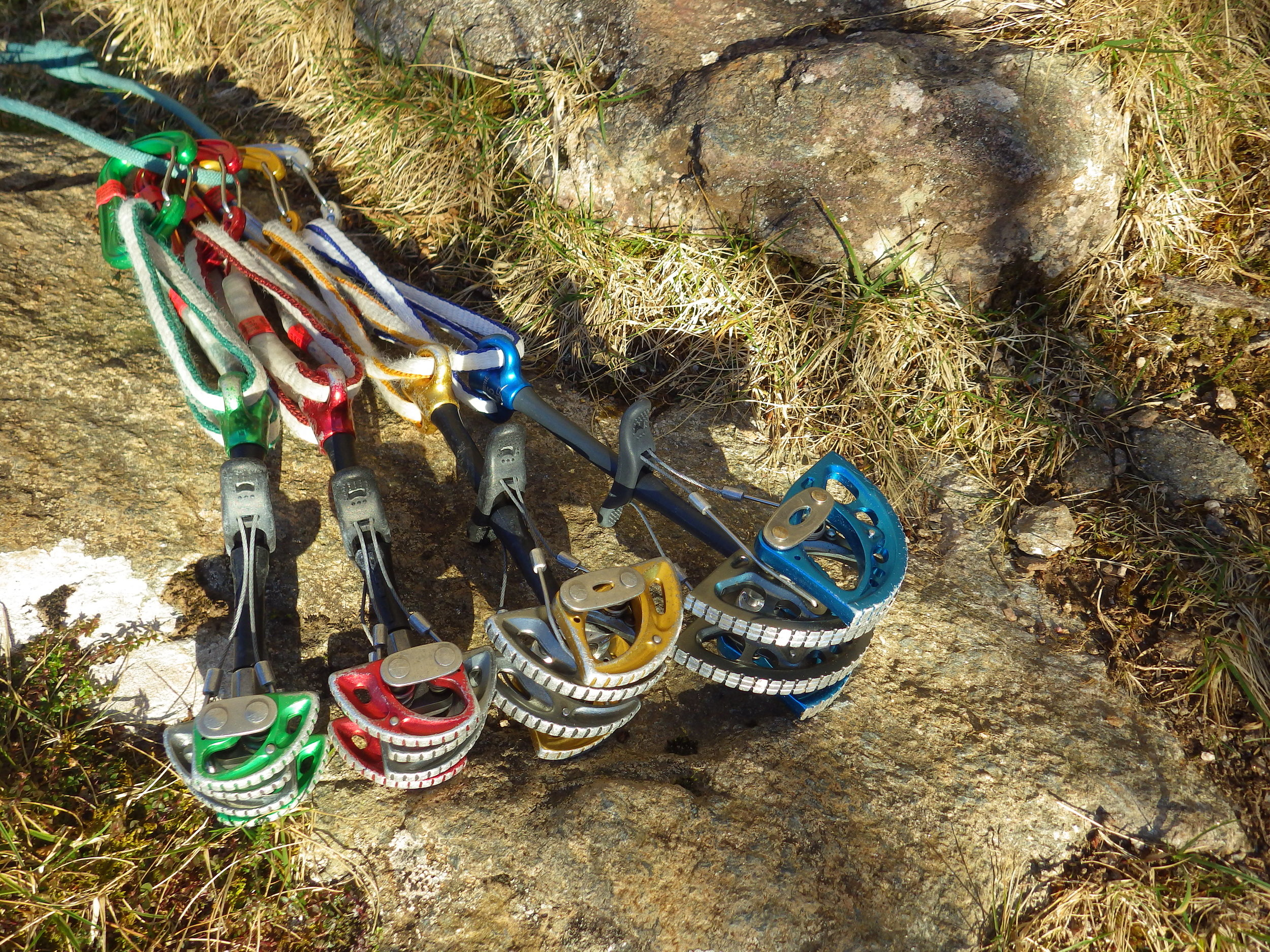 Size 2,3,4,5, DMM Dragon Cams on colour coded wiregate carabiners